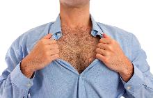 Окосмяването по гърдите на мъжа сигнализира за неговата интелигентност