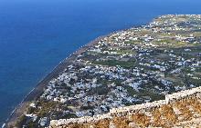 Периса е известна сред туристите на Санторини.