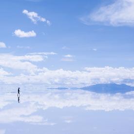 Неповторимият огледален ефект е идеален за снимки.