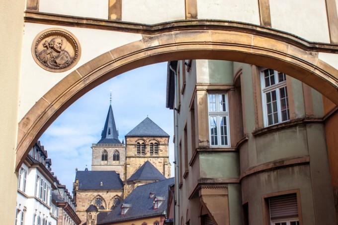Катедралата Свети Петър в Триер.