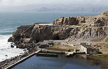 """Останките на къпалните """"Сутро"""" са част от 49-милния път, обект от който е и мостът """"Голдън Гейт""""."""
