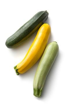 ТИКВИЧКИ  / Тези зеленчуци са толкова вкусни, колкото са и евтини и достъпни. Паста, месо, омлет – с тях тиквичките се комбинират идеално. Богати на фибри и витамини, тиквичките са идеални за диетично хранене.