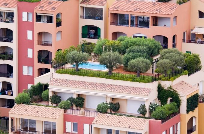 Местните архитекти планират градини върху покривите от естетична и от практична гледна точка – те са вид топлоизолация за сградите.
