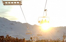 Апре-ски парти в най-високия планински бар във Вал Торенс