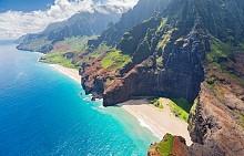 Някои плажове могат да бъдат достигнати само по вода или въздух.