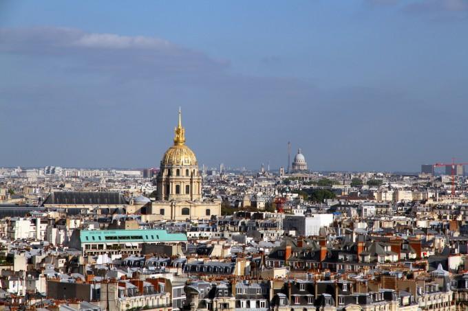 Панорамна гледка към днешен Париж