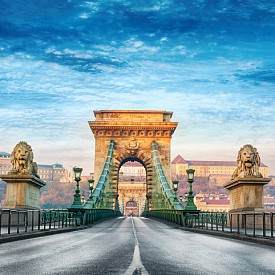 """Верижният мост """"Сечени"""" е сред най-красивите мостове, които свързват Буда и Пеща"""