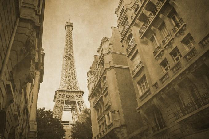 Из улиците на Париж преди...