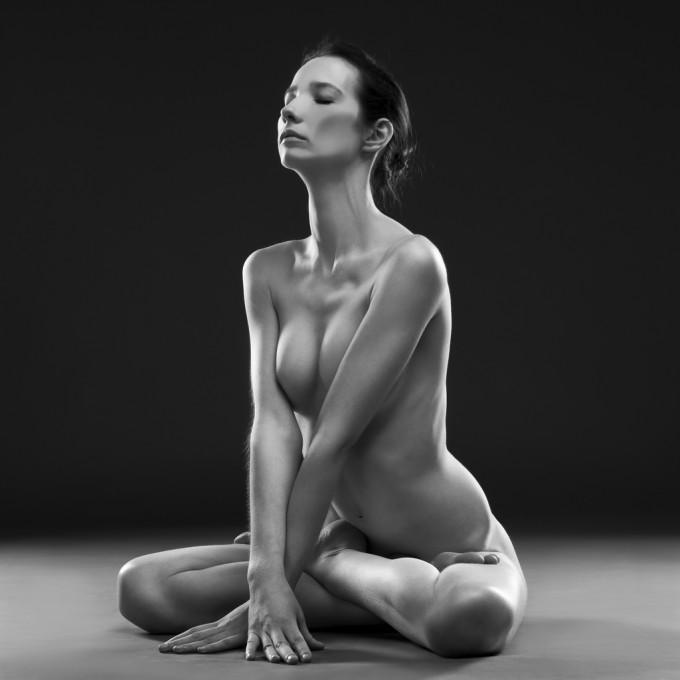 """Йога означава """"единение"""", пък и едно от направленията й е йога на космическата любов."""