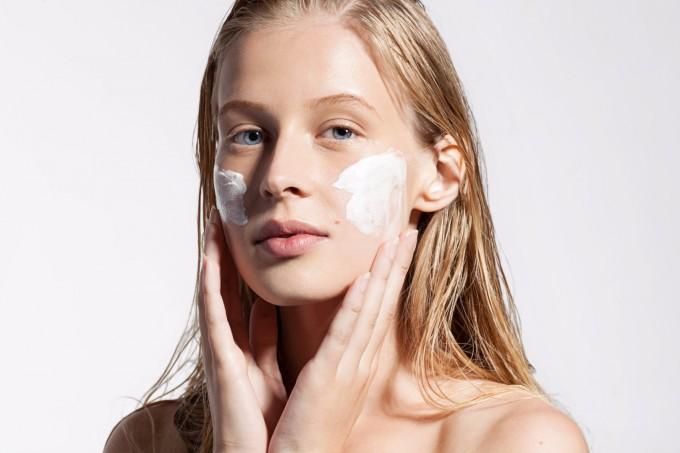 Въпрос на деня: зависи ли ефекта на козметичния продукт от количеството, което нанасяме?
