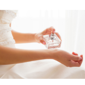 Сватбен сезон 2019: 15 нежни парфюма за големия ден