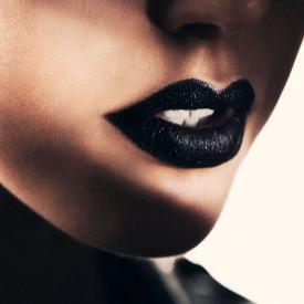 Черни устни за петък вечер