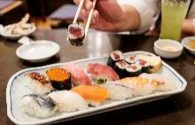 Различните сватбени дестинации: Мастър клас по готварство в Токио