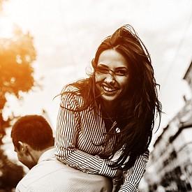 ОТДЕЛЯЙТЕ ВРЕМЕ ЗА ЗАБАВЛЕНИЯ / Смехът и радостта отключват в мозъка производството на допамин – невротрансмитер на удоволствието, което от своя страна безспорно повишава оптимизма.
