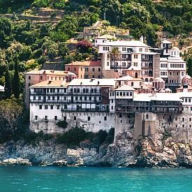 """Един от най-красивите манастири на Света гора - """"Григориат""""."""