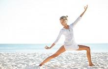 Загрейте за около 8 минути. Можете да правите движения по ваш избор – скачайте, тичайте на място или танцувайте на любима песен.