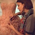За да бъдете лидер в света на модата, но и не само: с ELLE в Мадрид, Париж и Кеймбридж