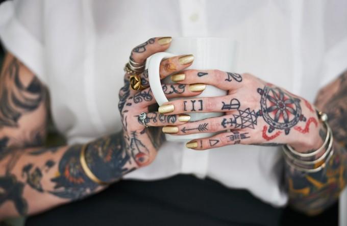 Мамо, имам нова татуировка ... отново