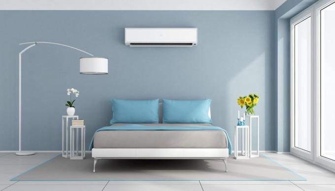Синьото, особено в софистицираните му тонове, успокоява и е идеален цвят за спалнята.