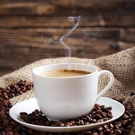 КАФЕ / Кафето и черният чай са препоръчителни за хора, които страдат от главоболие, мигрена и ниско кръвно. Причината за тези неразположения са разширени мозъчни съдове, а кофеинът ги стеснява и понижава болковия синдром. Дори аналгетиците съдържат кофеин в малки дози. Въпреки това безграничното консумиране на кафе има обратен ефект.