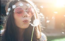 Розовите очила наистина повдигат настроението