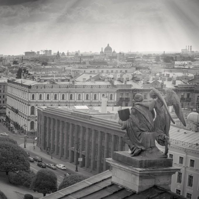 """Изглед от катедралата """"Свети Исак"""""""