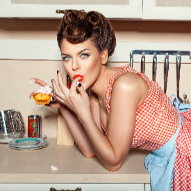 Ако сте добри в кухнята, ще се справите и с новите трикове в грима, които използват кулинарни похвати.