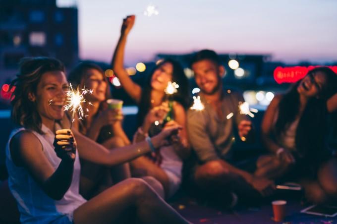 Споделянето на радостните моменти прави щастието още по-интензивно.
