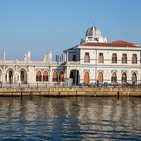 Пристанището на о. Бююкада