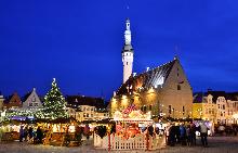 На гости на коледния базар в Талин и първата празнична елха в света