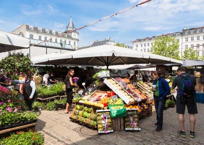 Централният пазар в Копенхаген предлага изобилие от...