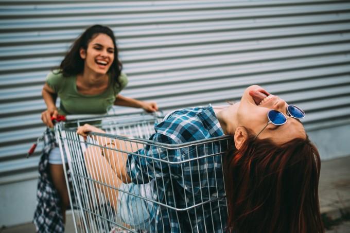 """""""Винаги си била луда, просто това е първият път, в който имаш шанса да бъдеш себе си"""""""
