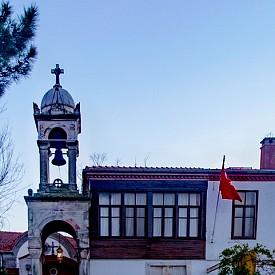 """Християнската църква """"Св. Георги"""" на о.Бююкада"""