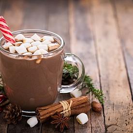 Горещ шоколад с ликьор и маршмелоу