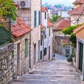 Каменна улица в Стария град