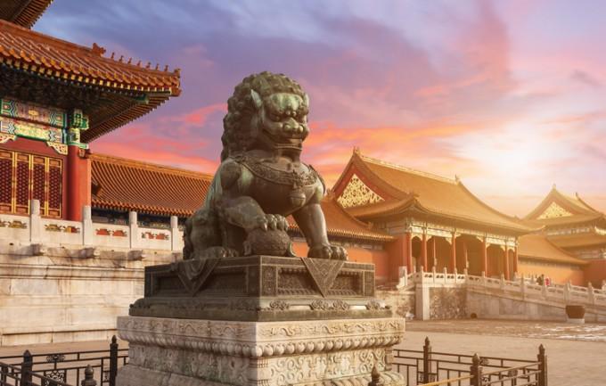 Статуя в Забранения град - укрепен район на китайския...