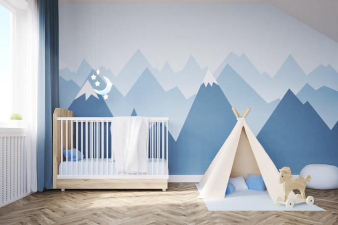 Боядисайте стените поне няколко седмици преди раждането на детето, за да може стаята добре да се проветри.