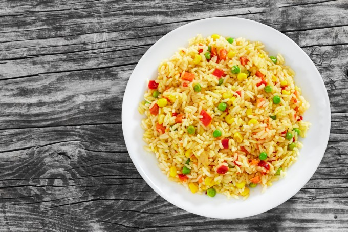 Сряда - Обяд: Салата от ориз и грах, стек от соя,...