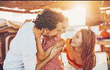 Какво ли е да си жена, попаднала в отворената връзка на някоя двойка?