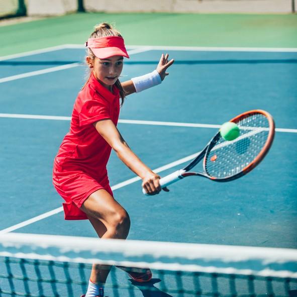 Тенис: помага да се развият добри реакции и с времето...