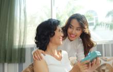 31 красиви продукта, които да подарите за майка си за 8-ми март