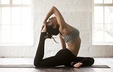 05:00 – ЙОГА / Сутрин температурата на тялото е най-ниска, което го предразполага за йога или пилатес. Това са активности, които слабо натоварват ставите, тъй като рано сутрин трябва да внимавате с натоварването им.