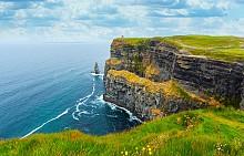 Скалите на Мохер се простират в продължение на 8 км по източното ирландско крайбрежие.