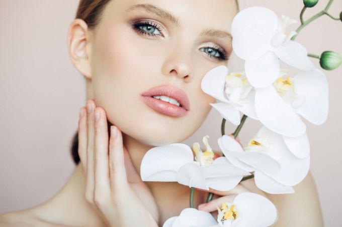 Ако нанесете хидратиращ крем върху кожата, парфюмът ви ще бъде почти двойно по-траен.