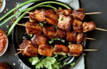 Опитайте: пилешки шишчета по азиатски