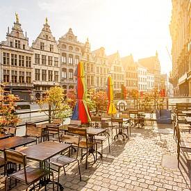 Антверпен е магнит за любителите на модата, изкуството, нощния живот...