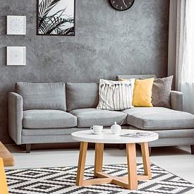 """""""За да създадете изискан интериор е достатъчно само сив цвят и ъглов диван"""" B&B Italia"""