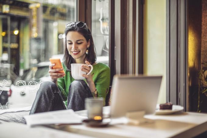 Защо неуспелите хора в социалните мрежи ни карат да се чувстваме по-добре
