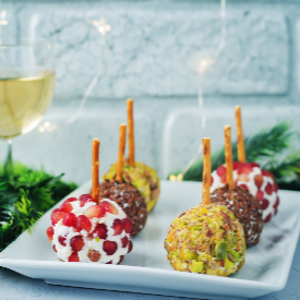 2 в 1 – за маса и за украса: коледни топки от козе сирене