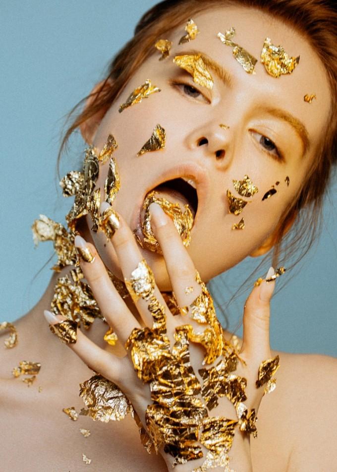 Златният цвят влияе на желанието ни да харчим пари